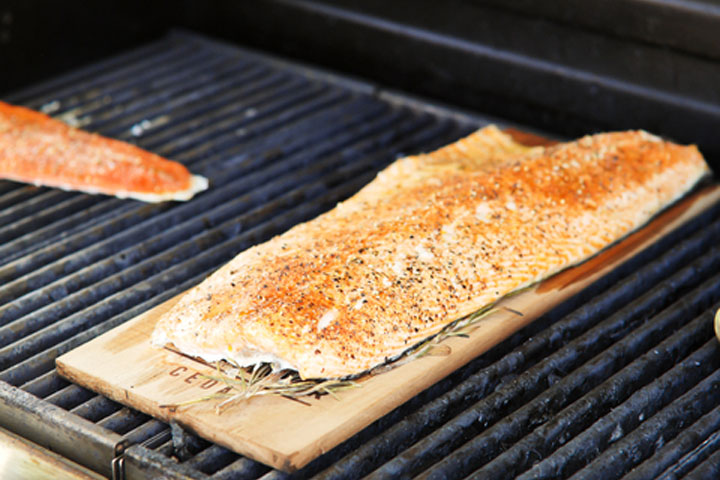 Walk the plank by pamela chester for cdkitchen for Grilling fish on cedar plank