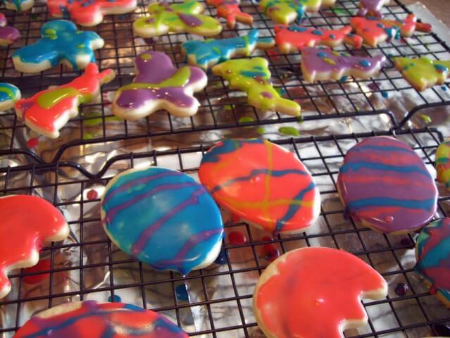 Caption: easter cream cheese sugar cookies. (just make a runnier frosting to make the designs)
