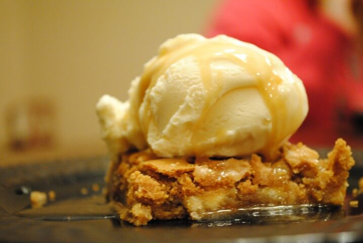 Applebee's Walnut Blondie With Maple Butter Sauce Recipe