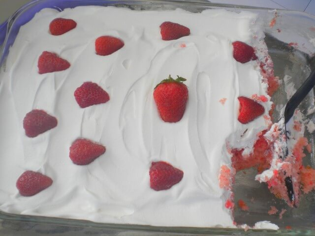 Strawberry Cake With Frozen Daiquiri Mix