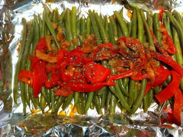 Herbed Green Beans With Roasted Peppers Recipe