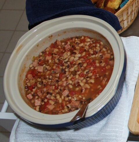 Slow Cooker Black Eyed Peas With Ham And Peppers
