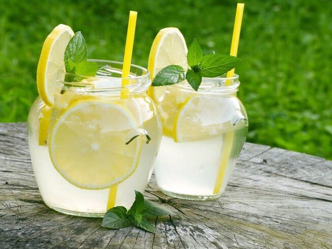 Homemade Lemonade Recipe from CDKitchen.com
