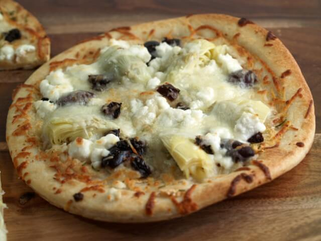 recipe for artichoke heart and goat cheese pizza