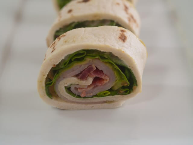 recipe for turkey and tomato cobb wrap