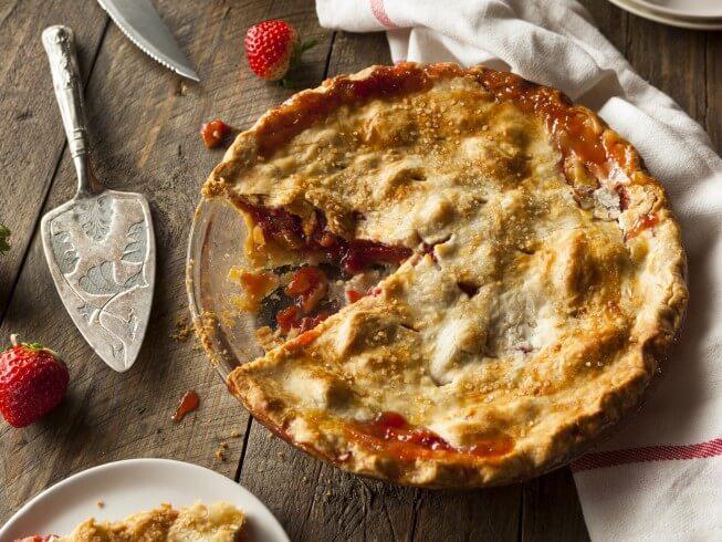 recipe for easy strawberry-rhubarb pie